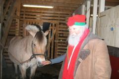 Julenissen_og_Fola_blakken